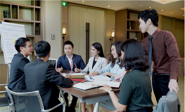 """Accepting applications for """"DUSIT THANI HYBRID MBA"""" at Dusit Thani College"""